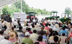 Apoyos por más de 37 mdp entrega Gobernador de Campeche.