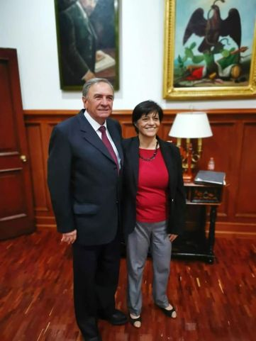 Gobernador con Blanca Jiménez Cisneros.