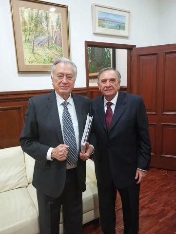 Gobernador con Manuel Bartlett Díaz.