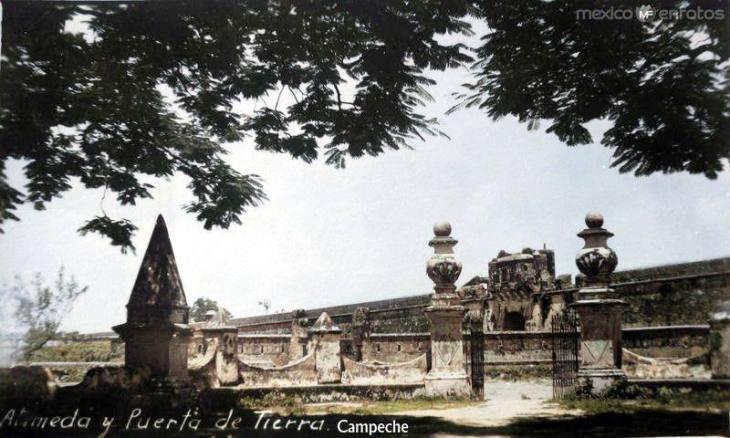 Alameda y Puerta de Tierra color